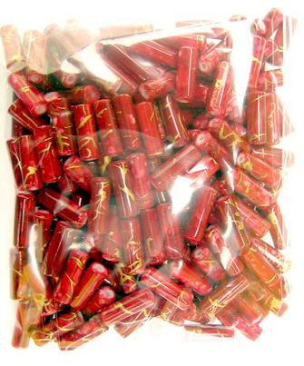 Margele forma  cilindru filet auriu 13x5 mm roșu -50 grame