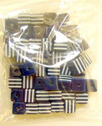 Кубче 8x8x7 мм синьо с бели ленти -50 броя