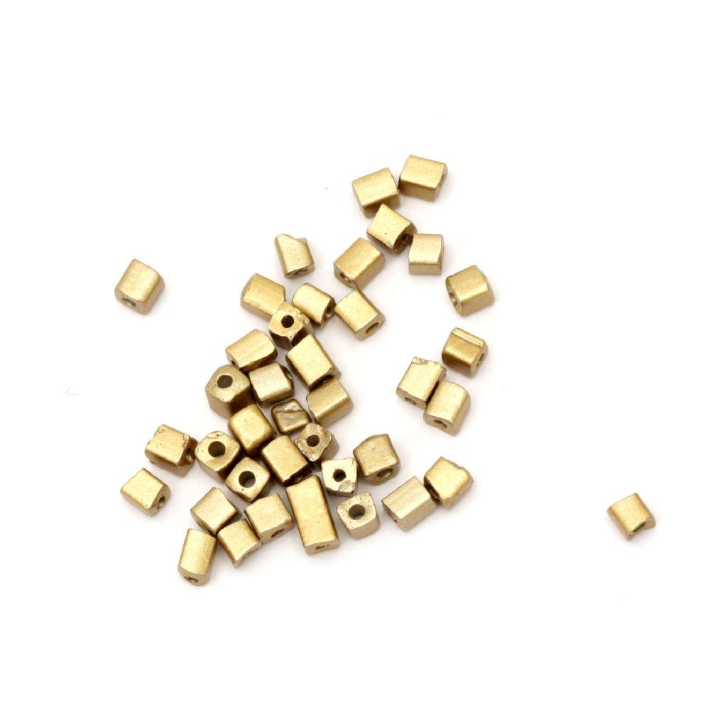 Margele cuburi de sticlă 3 ~ 7x3x3 mm gaură 0,5 mm culoare auriu -20 grame