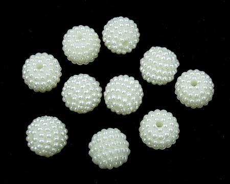 Мънисто перла грапава 10x10 мм дупка 1 мм цвят крем -20 грама ~ 56 броя