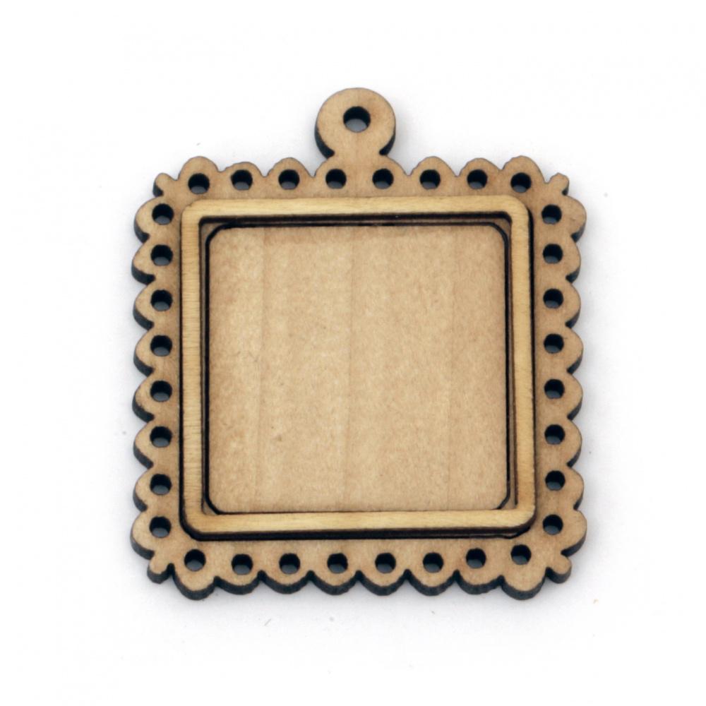 Ξύλινη βάση για κρεμαστό κόσμημα 44x38x5 mm εσοχή 25 mm τρύπα 1,5 mm φυσικό χρώμα -4 τεμάχια