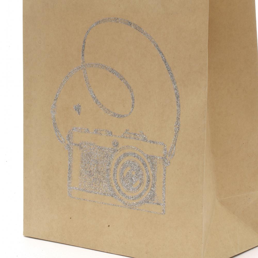Торбичка подаръчна от крафт хартия 25x20x10 см с щампа фотоапарат