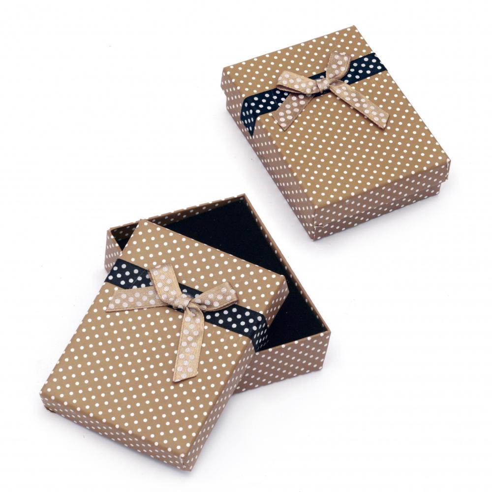 Cutie de bijuterii 70x90 mm maron cu puncte