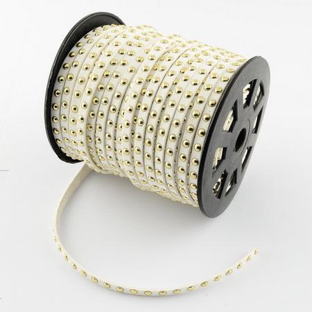 Велурена лента 6x2.5 мм с алуминиеви кабошони бяла -1 метър