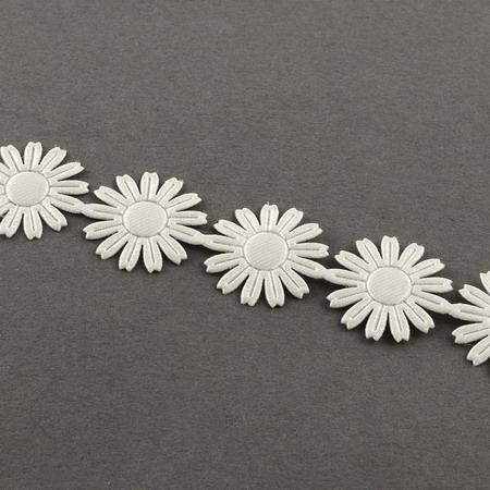 Ширит сатен 17 мм цвете цвят бял -3 метра