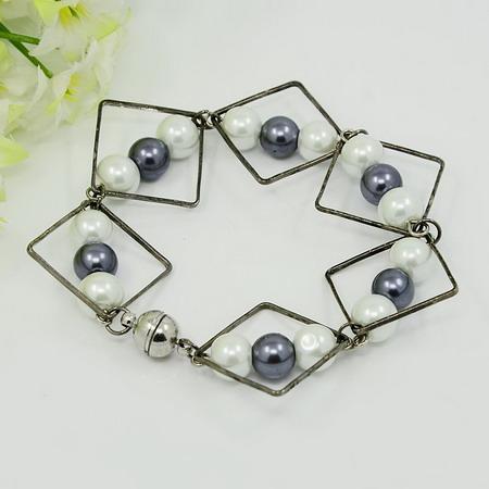 Гривна метал стъклени перли магнитна закопчалка 175 мм