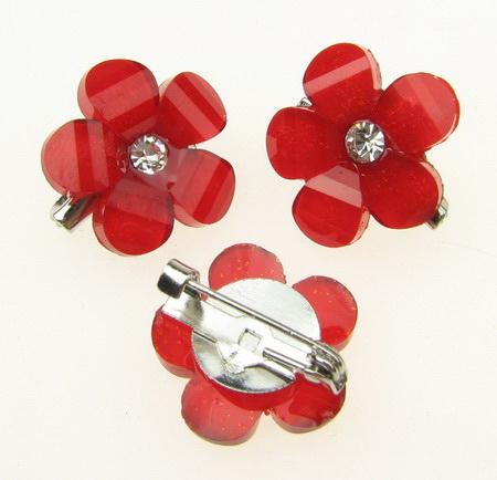 Κονκάρδα πλαστική μεταλλική με στράς κόκκινο λουλούδι 17x17 mm