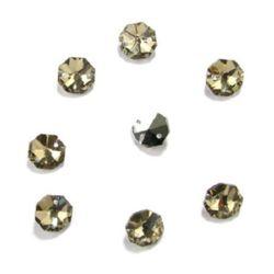 Камък кристал за пришиване 14x14x7 мм дупка 1.5 мм октагон бежов -4 броя