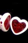 Мънисто двуцветно сърце 16 мм бяло и червено -50 грама
