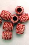 Cilindru margele 8,5x7 mm gaură 3 mm vopsit în roșu -50 grame ~ 210 bucăți