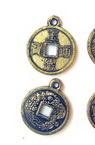 Pandantiv  forma monedă metalizată 15x2 mm culoare auriu -50 grame