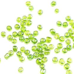 Margele de sticlă 4 mm transparent perlă verde 1 -50 grame