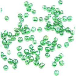 Margele de sticlă 4 mm transparent perlă verde 3 -50 grame