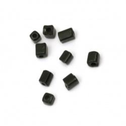 Мъниста стъклена правоъгълна 3±7x3x3 мм дупка 0.5 мм плътна черна - 20 грама