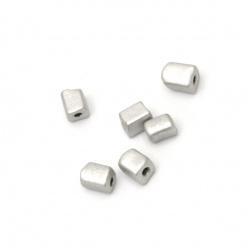 Мъниста стъклена правоъгълна 3~7x3x3 мм дупка 0.5 мм плътна сива - 20 грама
