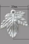 Pandantivă frunză de perle 20x20x3 mm gaură 2 mm alb -20 bucăți