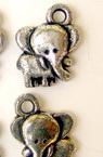 Pandantiv elefant metalic 20x15 mm gaură 3 mm argintiu -50 grame ~ 65 bucăți
