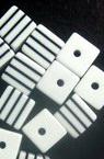 Кубче 8x8x8 мм бяло с черни ленти -50 броя