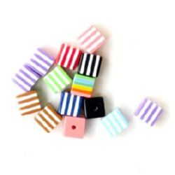 Resin acrylic cube 8x8 mm multicolor hole 1.5 mm - 50 pieces