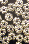 Мънисто метализе шайба цвете 7x3 мм дупка 1.5 мм цвят сребро -50 грама ~790 броя