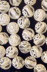Мънисто роза топче 6 мм дупка 1.5 мм прозрачно с бяло -50 грама ~390 броя