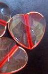 Margele forma inima rosie de 17 mm transparenta -50 grame