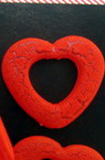 Acrylic crackle heart bead 28 mm red - 50 grams