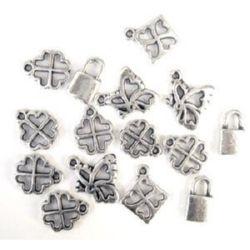 Pandantiv mix metalic noroc argintiu 12-15 mm -50 grame ~ 260 bucăți