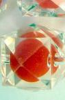 Мънисто с червена основа многоъгълник 19 мм прозрачно-50 грама