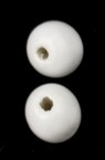 Дърво топче 14x13 мм дупка 3~4 мм бяло боя -50 грама ~60 броя