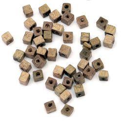 Мънисто дърво куб 3x3 мм дупка 1 мм кафяв светъл -20 грама ~900 броя