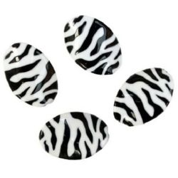 Two-color oval bead twisted 35x25x6 mm black and white - 30 grams