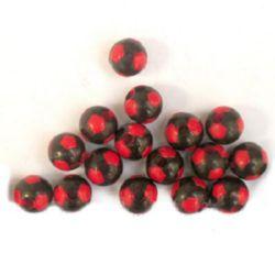 Мънисто двуцветно топче футбол 8 мм червено и черно -31 грама