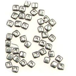 Margele CCB pătrat 4x4 mm gaură 2 mm culoare argintiu - 20 grame ~ 310 bucăți