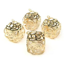 Metal pendant with Czech crystals in the shape of a cube with walls of roses, color gold 13x13 mm