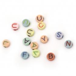 Мънисто двуцветно кръг с букви 10x5 мм дупка 3 мм МИКС -20 грама ±63 броя