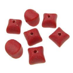 Χάντρα απομίμηση ξύλου ματ 11x11x11,5 mm τρύπα 2,5 mm κόκκινο -50 γραμμάρια ~ 62 τεμάχια