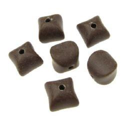 Κύβος χάντρα απομίμηση ξύλου 11x11x11,5 mm τρύπα 2,5 mm ματ καφέ -50 γραμμάρια ~ 61 τεμάχια