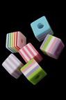 Куб 10x10x9.5 мм дупка 4 мм цветно -50 броя