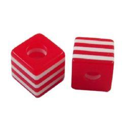 Куб 10x10x9.5 мм дупка 4 мм червено с бели линии -50 броя