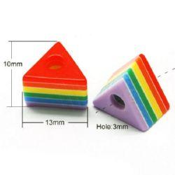 Триъгълник 10x13x9 мм дупка 3 мм ресин цветно -50 броя