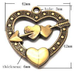 Pandantiv  Antica Inima  42x42x6 mm gaura 3 mm culoare bronz antic -53 grame ~ 16 buc