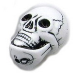 Мънисто череп 20x14 мм дупка 2 мм бяло и черно -50 грама ~ 23 броя