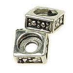 Мънисто метал квадрат 5x5 мм дупка 1.4 мм цвят старо сребро -20 броя