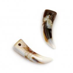 Висулка имитация рог/зъб 42x13x9 мм дупка 2.5 мм -20 грама ~ 6 броя