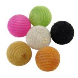 Топче 20 мм дупка 3 мм с мъх цветно -50 гр ~ 13 броя