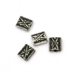 Margele dreptunghi metalic 8,5x7x4 mm gaură 1,5 mm culoare argintiu -50 grame ~ 260 bucăți