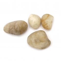 Естествен камък без дупка 30~50x16~35 в бурканче ~420 грама