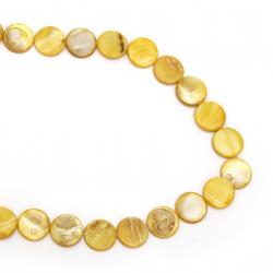 Χάντρες από σεντέφι στρόγγυλο πλακέ 20x2 ~ 5 mm τρύπα 1 mm κίτρινο ~ περασμένες σε σειρά/ κορδόνι 20 τεμάχια