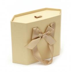 Cutie de bijuterii 120x148x55 mm tip geantă culoare crem